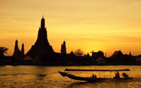 Wat-Arun-Bangkok-Thailand